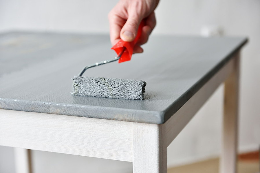 malowanie mebli spos b na szybk renowacj. Black Bedroom Furniture Sets. Home Design Ideas